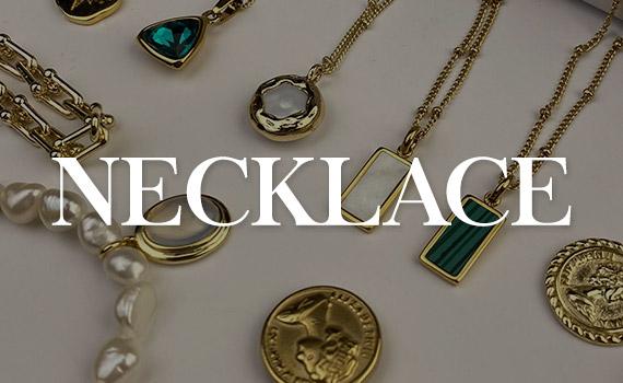desk-necklace